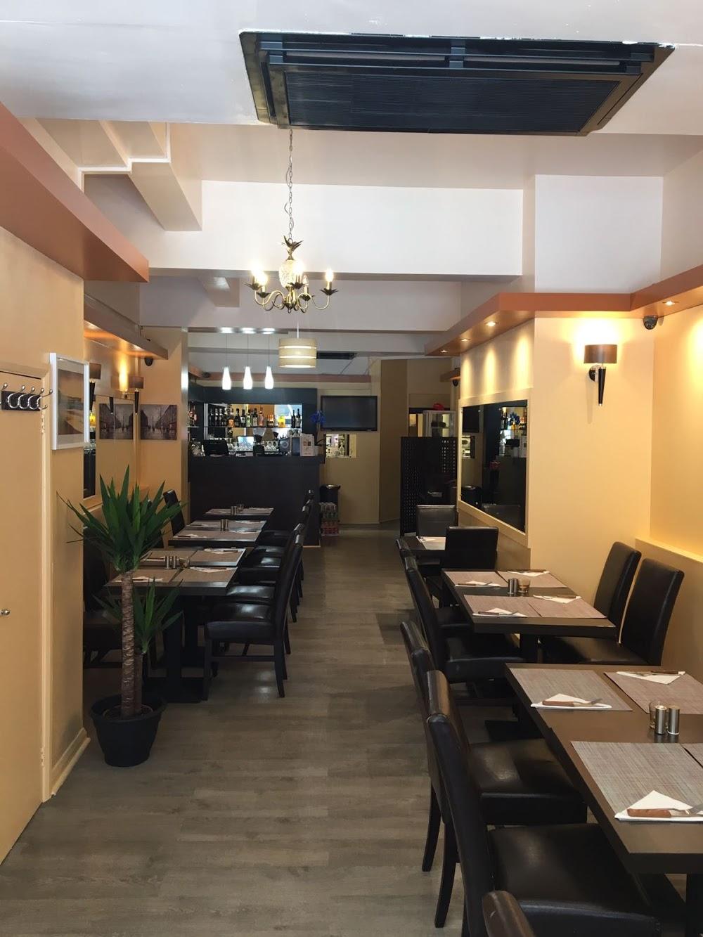 La Fratelli Restaurant