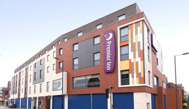Premier Inn Camberley hotel